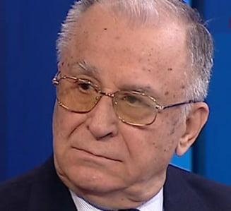 """Iliescu explica de ce l-a numit """"prostanac"""" pe Geoana"""