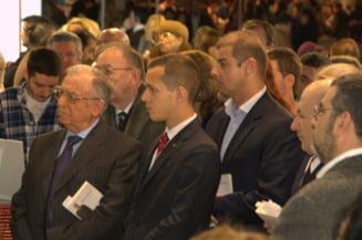Iliescu i-a lansat cartea lui Adrian Nastase: Basescu, obsesia fostului premier (Video)