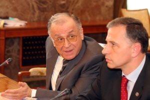 Iliescu si Geoana se cearta pe cine pun sef la Senat