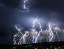 Imagini cu dezastrul lasat in urma de ploaia care a cazut cu 200 l/mp in Spania: 5 oameni au murit (Galerie foto&video)