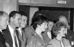 Imagini de colectie cu staruri de la Hollywood la Studiourile Buftea. Cine i-a adus in Romania pe Jack Lemmon si Shirley McLaine FOTO