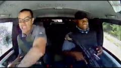 Imagini dramatice in Africa de Sud. Reactia soferilor unei camionete pline cu bani dupa ce asupra lor este trasa o rafala de gloante VIDEO
