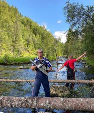 Imagini fabuloase: Fotbalistul lui Dortmund, Erling Haaland, la taiat lemne in Norvegia