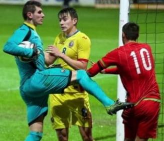 """Imagini incredibile de la meciul nationalei Romaniei U21: Un """"tricolor"""" a luat la bataie un adversar"""