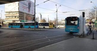 Imagini incredibile intr-un autobuz nou cumparat de Firea: S-a umplut cu apa clocotita cand era plin cu pasageri (Video)