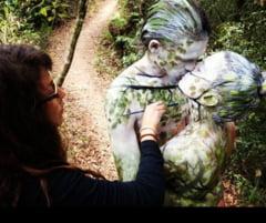 Imagini inedite: Artista care ajuta oamenii sa fie una cu natura (Galerie foto)