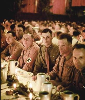 Imagini inedite cu Hitler, de Craciun (Galerie foto)