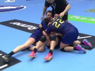 Imagini istorice: Bucuria fara margini a romancelor dupa calificarea in semifinalele Campionatului Mondial (Foto)