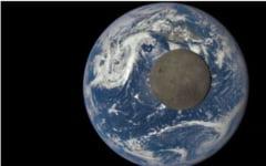 Imagini spectaculoase cu partea intunecata a Lunii, de la NASA (Video)