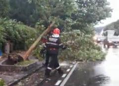 Imaginile prapadului lasat in urma de furtuni violente in toata tara: Asa ceva nu am mai trait (Video)
