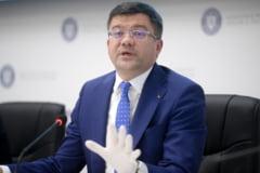 In Bucuresti sunt spalate strazile la propriu din an in Paste. Ministrul Mediului: Primarii si Firea au fost amendati pe persoana fizica