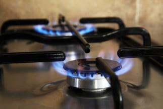 In cateva luni, romanii ar putea plati facturi mai mari la gaze, dupa liberalizarea pietei. Ce trebuie sa facem si ce nu spun autoritatile