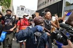 In contextul protestelor, SUA au trecut din nou de 1.000 de morti de coronavirus in 24h