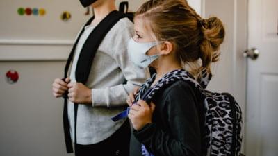 In jurul scolilor se va purta masca. Prefectul Capitalei anunta primele decizii luate in cadrul sedintei Comitetului pentru Situatii de Urgenta