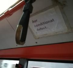 In loc sa curete autobuzele, STB cheltuieste sume uriase ca sa-i imbrace pe soferi in costume