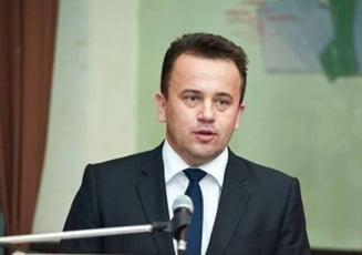 In plin scandal al salariilor, un senator PSD propune noi majorari in educatie