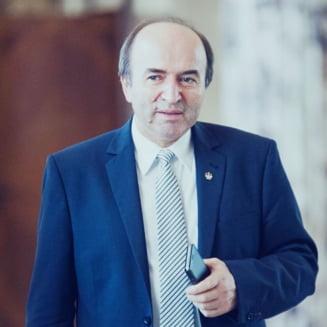 In premiera, Tudorel Toader spune clar ca noile criterii privind procurorii se aplica doar pentru viitor
