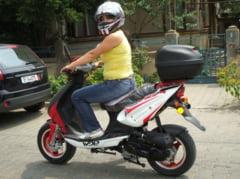 In sfarsit, conducatorii de mopede pot intra in legalitate