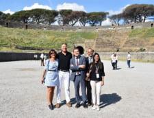 In ziua cand la Bruxelles se discuta soarta Brexit, Iohannis si sotia se plimbau prin Pompei (Galerie foto)