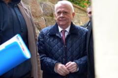 Inalta Curte a dispus prelungirea arestului preventiv pentru Viorel si Andrei Hrebenciuc