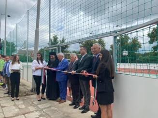 Inaugurare teren sport la Gyula si extindere scoala la Elek, Ungaria