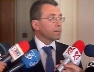 Inca o demisie din Guvernul Ponta - Lucian Isar, inlocuit cu Mihai Voicu (Video)