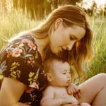 Inca un beneficiu al alaptarii. Bebelusii primesc informatii esentiale si neasteptate din lapte!