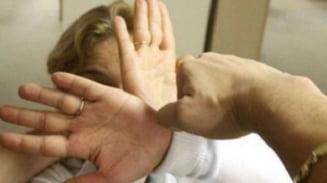 Inca un caz de violenta in familie in Valcea