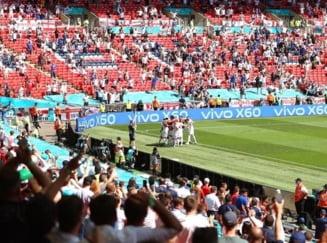 Inca un eveniment tragic la Euro 2020. Un spectator a cazut din tribuna si e in stare grava