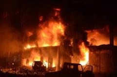 Incendiu devastator in Bangladesh: Cel putin 70 de oameni au murit (Foto&Video)