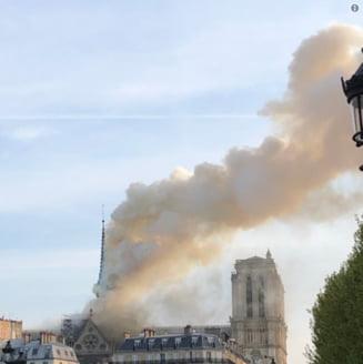 "Incendiu devastator la Catedrala Notre-Dame. Pompierii au anuntat ca structura de rezistenta a fost ""salvata"" (Foto&Video)"