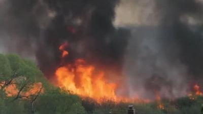 Incendiu forestier pe o insulă din estul Indoneziei, declanșată de o erupție vulcanică