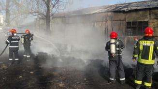 Incendiu in Magurele: Un depozit de anvelope a luat foc