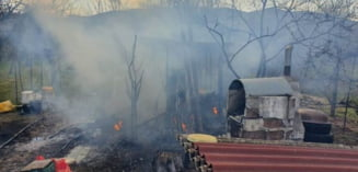 Incendiu la o cabana din cartierul Micesti (Alba Iulia): Au intervenit pompierii cu doua autospeciale