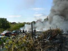Incendiu la o groapa de gunoi din Caracal: Interventia e coordonata de seful ISU Olt