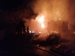 Incendiu la o vopsitorie auto din Craiova