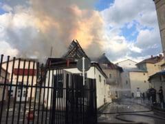 Incendiu la piata din Targu-Neamt