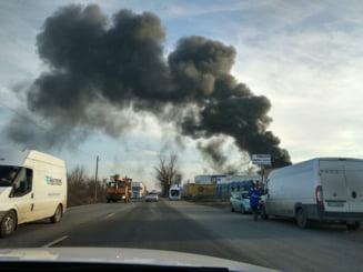 Incendiu la un depozit de pe Soseaua de Centura (Foto)