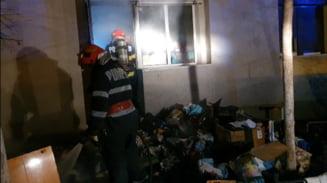 Incendiu la un magazin cu articole second-hand situat la parterul unui bloc de pe strada Unirii din Slatina