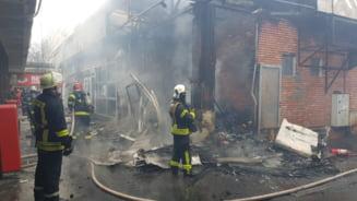 Incendiu la un magazin de haine din Piata Veteranilor din Capitala VIDEO