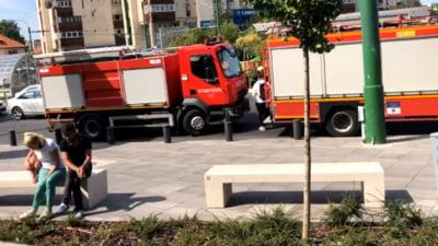 Incendiu la un mall din Brașov. Pompierii intervin cu mai multe autospeciale VIDEO