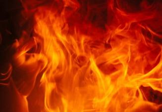 Incendiu pe o platforma petroliera: 30 de angajati disparuti