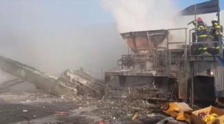 Incendiu pe strada Constructorului din Slatina. Au ars aproape 2,5 tone de mase plastice si un utilaj de tocare