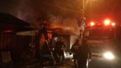 Incendiu puternic in Bucuresti: 6 case au luat foc in sectorul 3 (Foto)