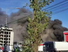Incendiu puternic in sudul Bucurestiului: Zeci de autospeciale, trafic restrictionat si avertizare RO-ALERT (Foto)