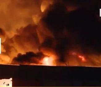 Incendiu urias la un depozit de langa Bucuresti