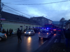 Incendiu violent la Sighetu Marmatiei. Circulatia in centru a fost oprita