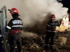 Incendiu violent la un service auto din Campina