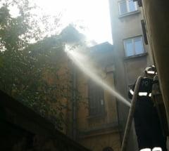 Incendiul care a mistuit Casa Nenitescu, provocat de muncitori