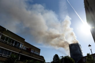 Incendiul de la Londra, Colectiv in varianta britanica: Cladirea a fost izolata cu material ieftin, neignifug